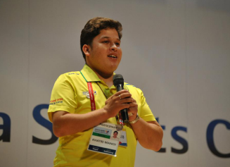 Manoj making a speech at closing ceremony of KPC Youth Para Sports Camp in Korea